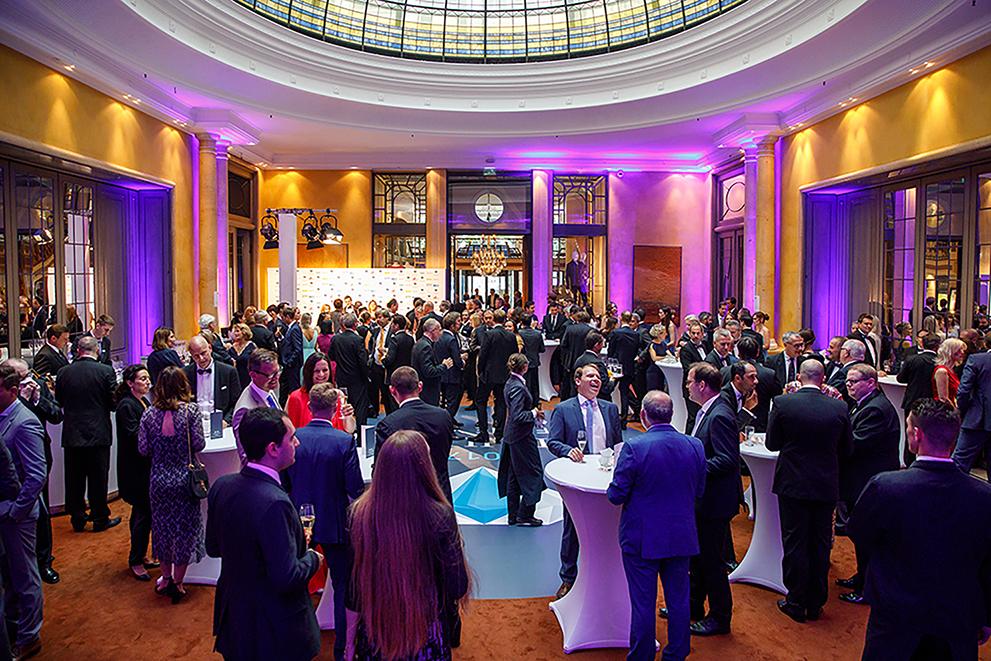 """Die festliche Verleihung des """"Headhunter of the Year""""-Awards fand am Donnerstag, den 1. Juni 2017 im Rahmen einer Abendgala mit anschließender Aftershow-Party im Bayerischen Hof in München statt. Fotograf: (c) Thomas Kiewning / www.BKMediaSolutions #LeadersLounge #HeadhunterOfTheYear #Hoty #Experteer #BayerischerHof"""